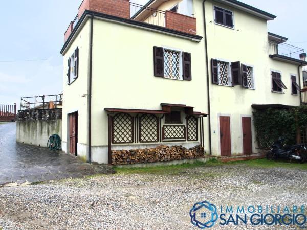 Vendita appartamenti sarzana sarzana zona residenziale - Altezza alberi giardino privato condominio ...